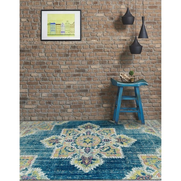 """Ethereal Vintage Teal/ Pink Accent Rug - 2'2"""" x 3'"""