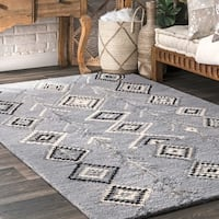 nuLOOM Contemporary Handmade Wool and Viscose Moroccan Triangle Grey Rug - 5' x 8'