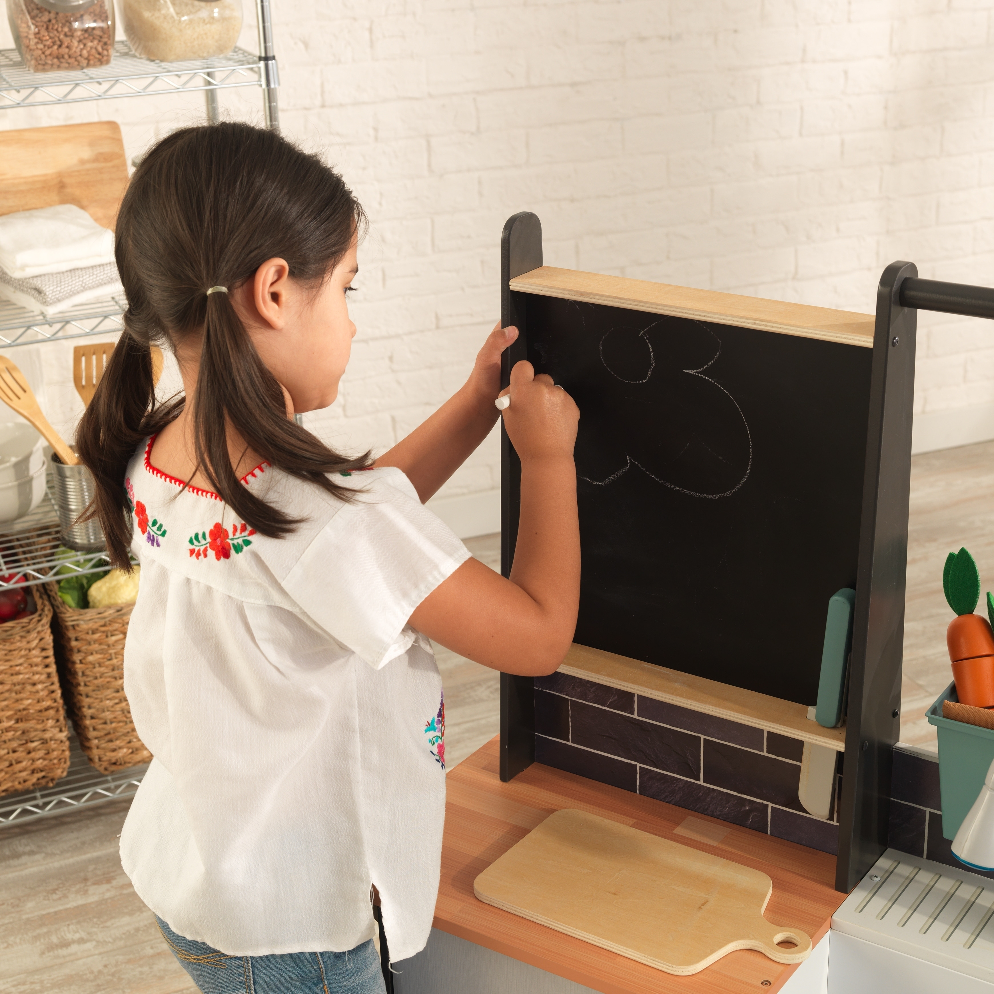 Kidkraft Farm To Table Play Kitchen With Ez Kraft Assembly Overstock 23387734