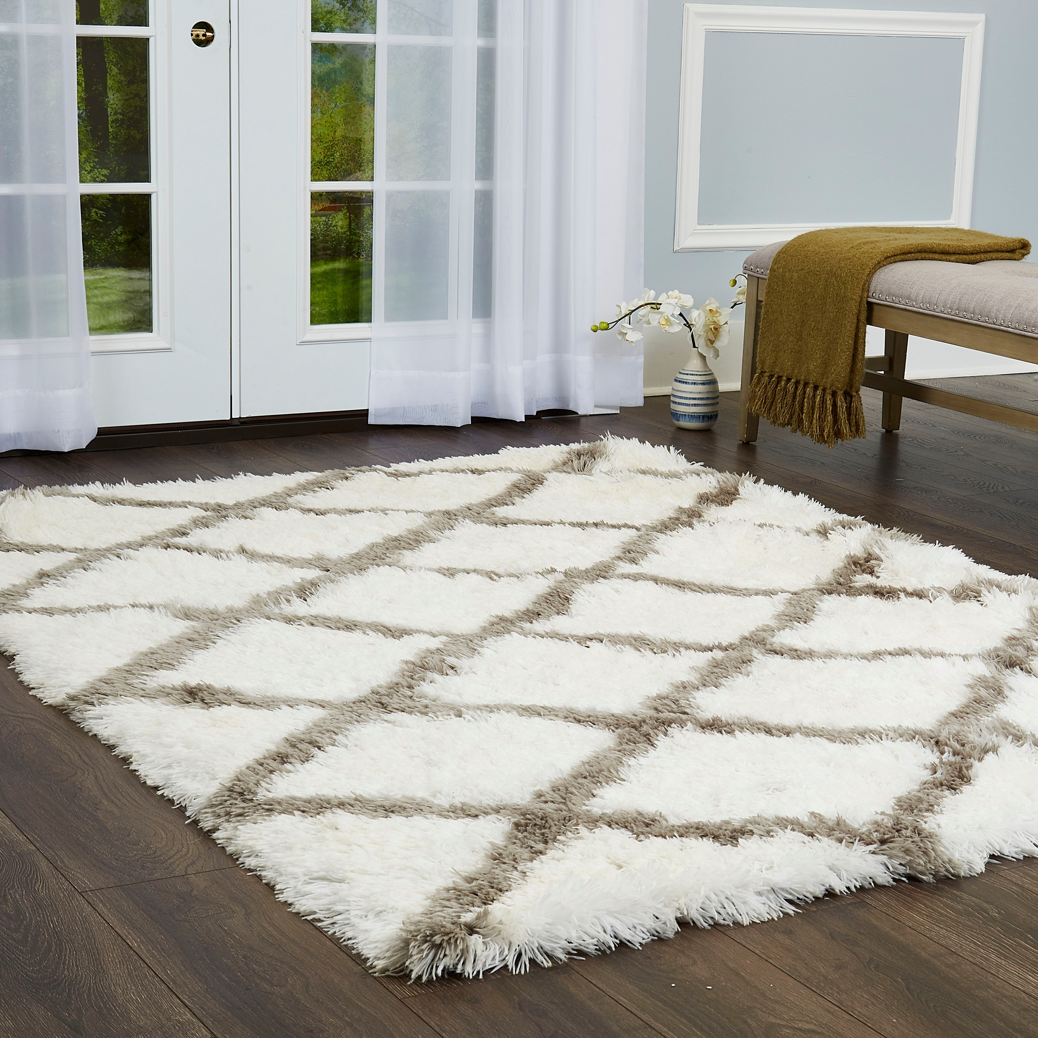 Picture of: Paramount Diamond White Gray Shag Area Rug By Elle Home 7 8 X10 2 Overstock 23465197