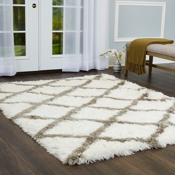 "Paramount Diamond White-Gray Shag Area Rug by ELLE Home - 7'8""x10'2"""