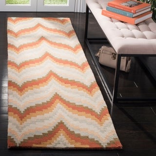 "Safavieh Handmade Martha Stewart Collection Modern & Contemporary Chevron - Saffron Wool Rug - 2'3"" x 8'"