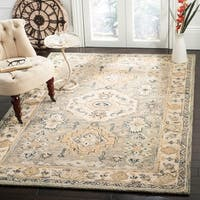 Safavieh Handmade Aspen Bohemian & Eclectic Southwestern - Moss / Ivory Wool Rug - 7' x 7' Round