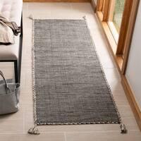 """Safavieh Handmade Montauk Flatweave Beige/ Black Cotton Tassel Area Rug - 2'3"""" x 7'"""