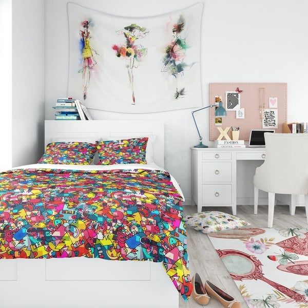Designart - Abstract Geometric Background with Monsters - Teen Duvet Cover Set