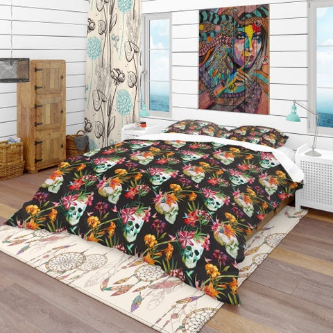 Designart 'Skull and Flowers' Bohemian & Eclectic Bedding Set - Duvet Cover & Shams