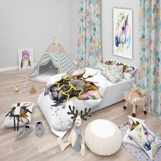 Designart 'French Bulldog with Star Glasses' Modern & Contemporary Bedding Set - Duvet Cover & Shams