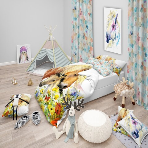 Designart 'Horse and Foal with Meadow' Modern kids Bedding Set - Duvet Cover & Shams