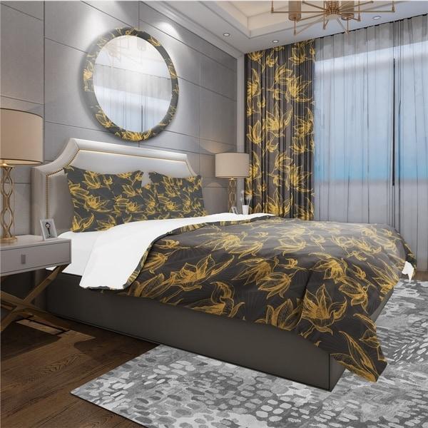 Designart 'Hand Drawn Floral Pattern' Modern & Contemporary Bedding Set - Duvet Cover & Shams