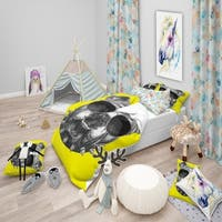 Designart 'Funny English Bulldog with Collar' Tropical Bedding Set - Duvet Cover & Shams
