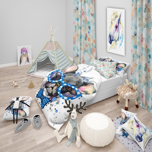 Designart 'Cute French Bulldog with Glasses' Modern & Contemporary Bedding Set - Duvet Cover & Shams