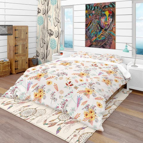 Designart 'Floral Pretty Pattern with Colorful Pastel Flowers' Bohemian & Eclectic Bedding Set - Duvet Cover & Shams