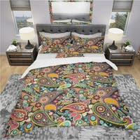 Designart 'Traditional Asian Elements Paisley' Bohemian & Eclectic Bedding Set - Duvet Cover & Shams