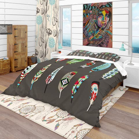 Designart 'Feathers Painted with Colorful Ethnic Pattern' Southwestern Bedding Set - Duvet Cover & Shams