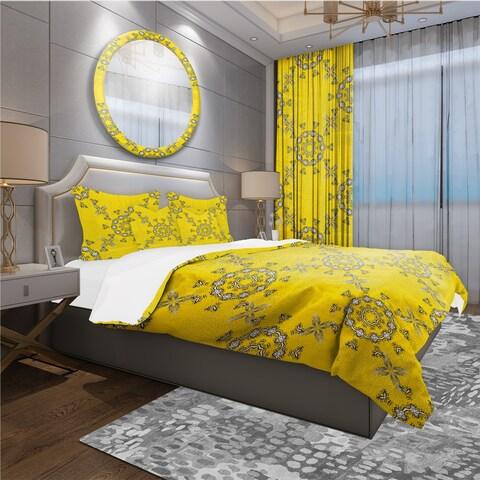 Designart 'Indian Vintage Mandala Pattern' Bohemian & Eclectic Bedding Set - Duvet Cover & Shams