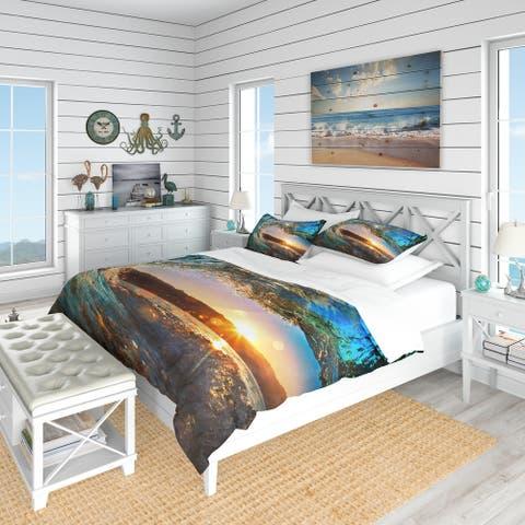 Designart 'Colored Ocean Waves Falling Down' Coastal Bedding Set - Duvet Cover & Shams