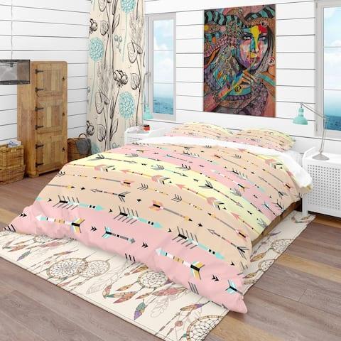 Designart 'Tribal Arrows Boho Pattern' Southwestern Bedding Set - Duvet Cover & Shams
