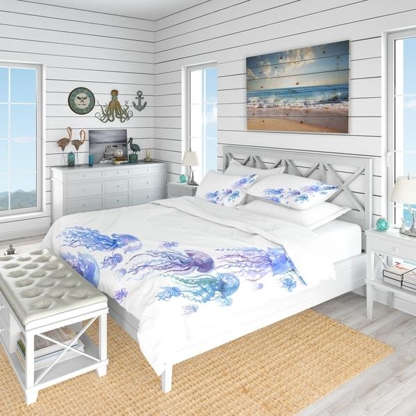 Designart 'Moving Jellyfish Group' Nautical & Coastal Bedding Set - Duvet Cover & Shams