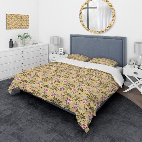 Designart 'Floral and Birds in Yellow Background' Traditional Bedding Set - Duvet Cover & Shams