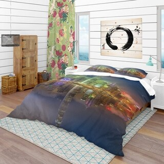 Designart - Hong Kong Panoramic View - Modern & Contemporary Duvet Cover Set