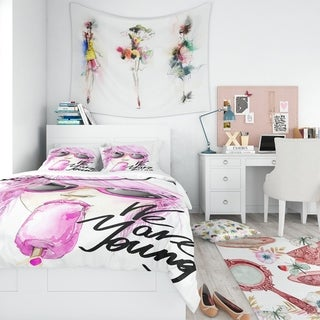 Designart - Sexy Pink Girl Eating Lollipop - Traditional Duvet Cover Set