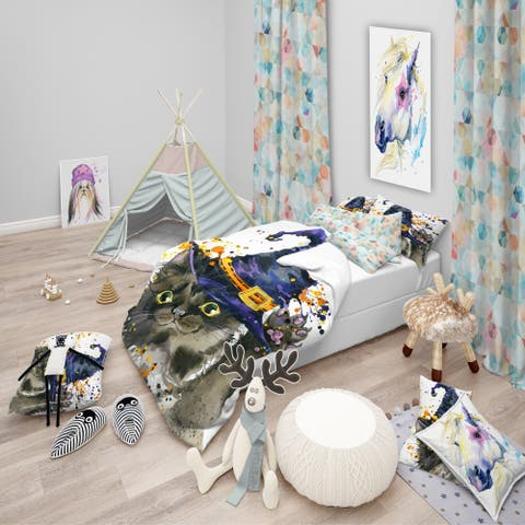 Designart 'Halloween Cat and Witch Hat' Modern & Contemporary Bedding Set - Duvet Cover & Shams