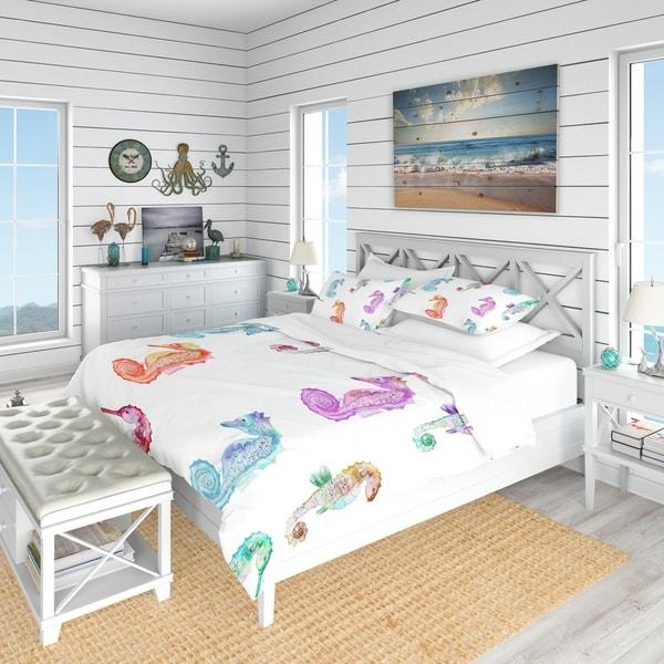 Designart 'Pattern with Multicolored Seahorses' Nautical & Coastal Bedding Set - Duvet Cover & Shams