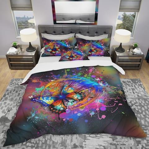 Designart 'Butterfly Over Abstract Background' Modern & Contemporary Bedding Set - Duvet Cover & Shams