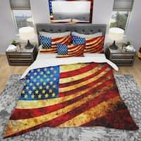 Designart 'God Bless America Flag' Modern & Contemporary Bedding Set - Duvet Cover & Shams