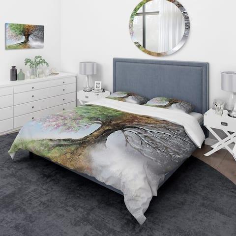Designart 'Tree with Four Seasons' Traditional Bedding Set - Duvet Cover & Shams