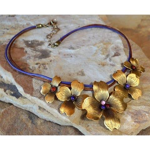"Handmade Antiqued Gold Graduated Dogwood Flowers Necklace (USA) - 18"""