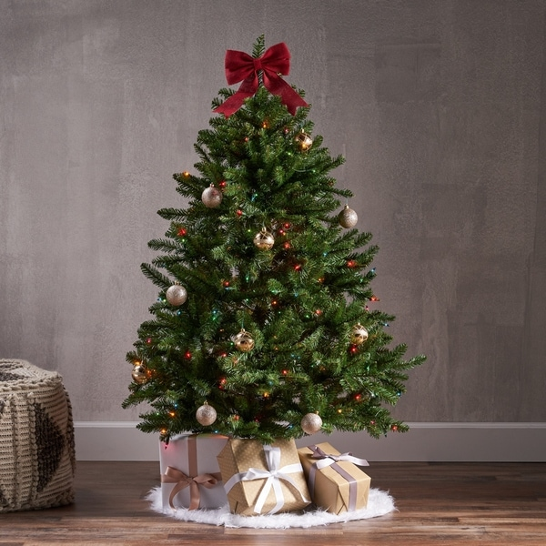 Shop 4.5-foot Norway Spruce Pre-Lit String Light or Unlit ...