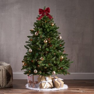 4.5-foot Norway Spruce Pre-Lit or Unlit Hinged Artificial Christmas Tree by Christopher Knight Home