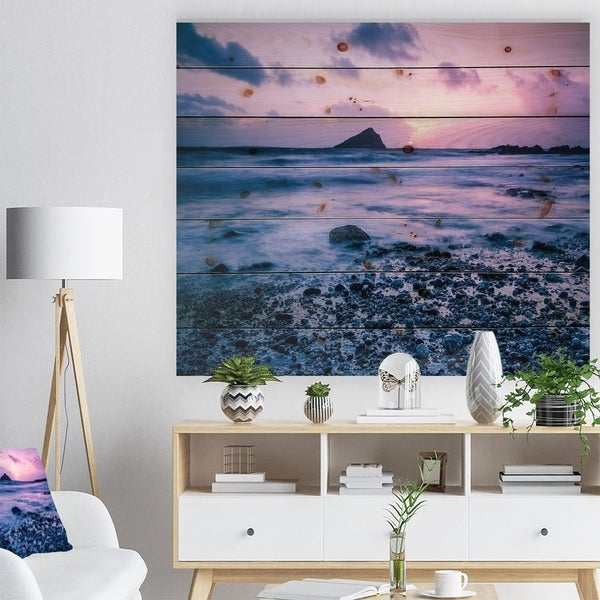 Designart 'Slow Motion Waves on Rocky Beach' Modern Seascape Print on Natural Pine Wood - Multi-color