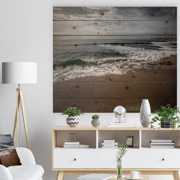 Designart 'Soft Waves of Sea on Sandy Beach' Seashore Print on Natural Pine Wood - White
