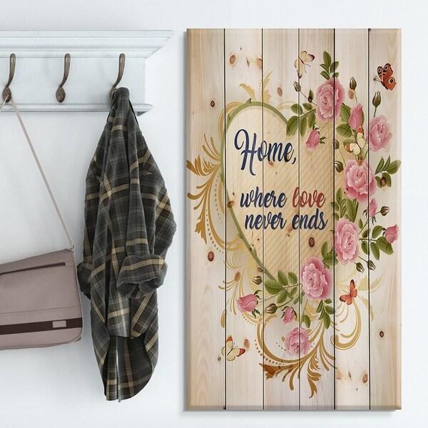 Designart 'Home where Love never ends. Flower Heart' Textual Entrance Art on Wood Wall Art - Green/Red