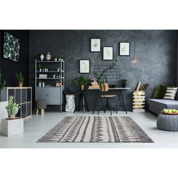 RugSmith Charcoal Temple Geometric Bohemian Area Rug - 3' x 5'