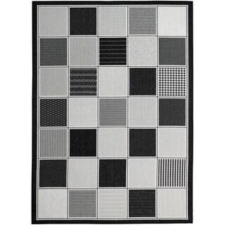 Lylah Home Black (8'x10') Indoor / Outdoor Rug - 8' x 10'