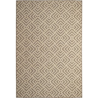 Sutton Home Taupe (5'x8') Indoor / Outdoor Rug - 5' x 8'