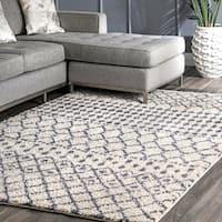 nuLOOM Beige Geometric Moroccan Trellis Shag Rug