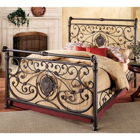 Gracewood Hollow Zine Brown-finished Bed Set