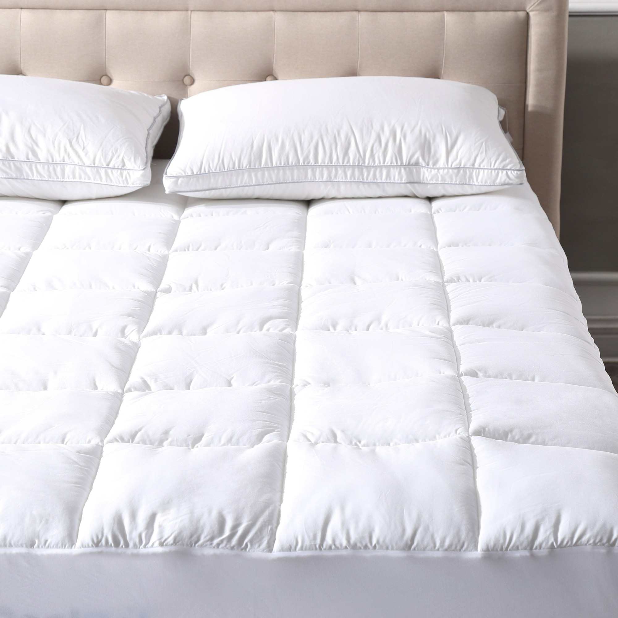 Comfortable Ultra-Soft Cotton Quilted Mattress Pad Full, White by Great Bay Home Brand. Stretches up to 18 Inches Deep
