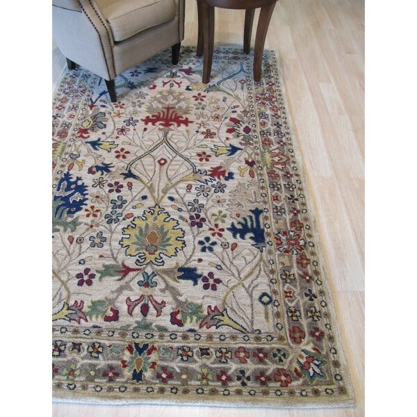 Hand-tufted Wool Ivory Traditional Oriental Morris Rug - 4' x 6'