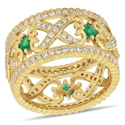 Miadora 14k Yellow Gold Emerald and 7/8ct TDW Diamond Criss-Cross Anniversary Band