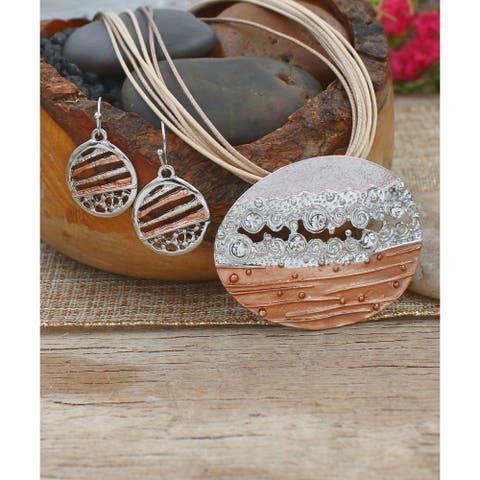 Handmade Layered Beauty Pendant and Necklace Set