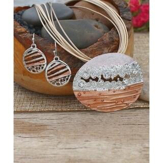 Handmade BeSheek Layered Beauty Pendant and Necklace Set - Silver