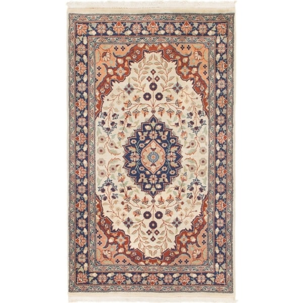 Hand Knotted Sarough Wool Area Rug - 3' x 5' 3
