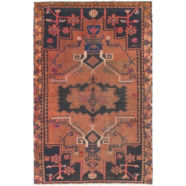 Hand Knotted Shiraz Antique Wool Area Rug - 4' 5 x 6' 9