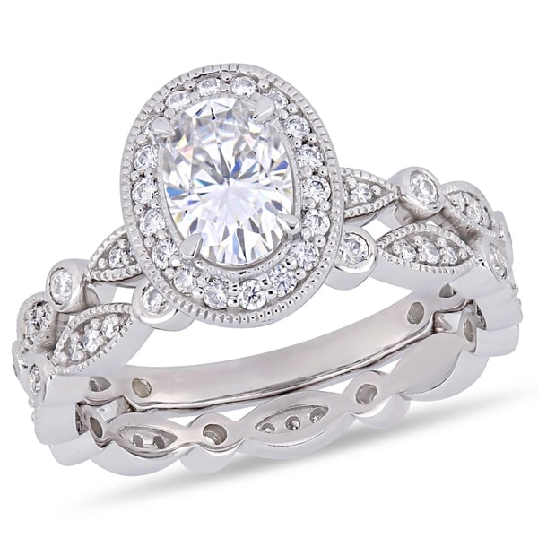 115b173bad08f8 Moissanite by Miadora 10k White Gold Oval and Round-Cut Moissanite Halo Infinity  Bridal Set