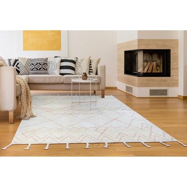 "Hand-Knotted Cusco Paracas Cream Wool Area Rug - 5'6"" x 8'6"""